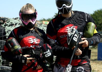 teren-paintball-jucatori